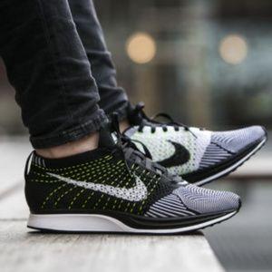 🌟 Nike Flyknit Racer size 13